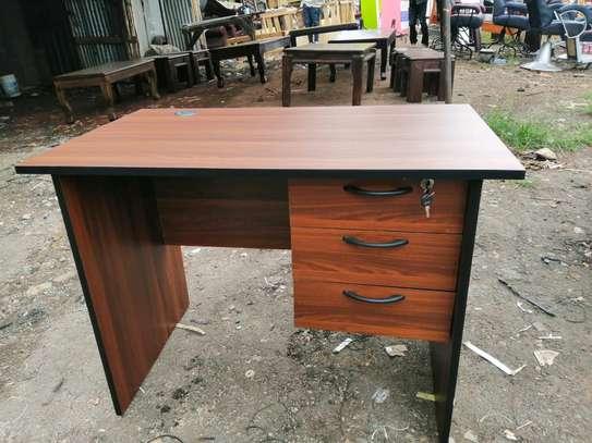 Mordern office desks image 3