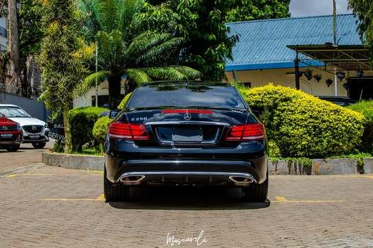 Mercedes-Benz E250 image 3