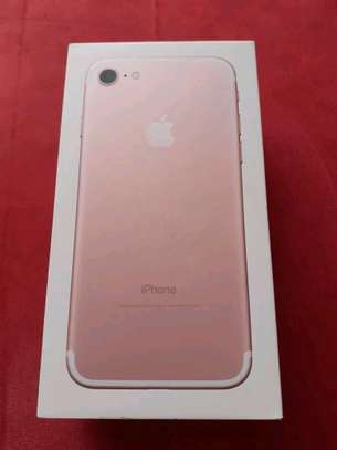 Apple Iphone 7 Gold 256 Gb & Iwatch Series 4 image 3