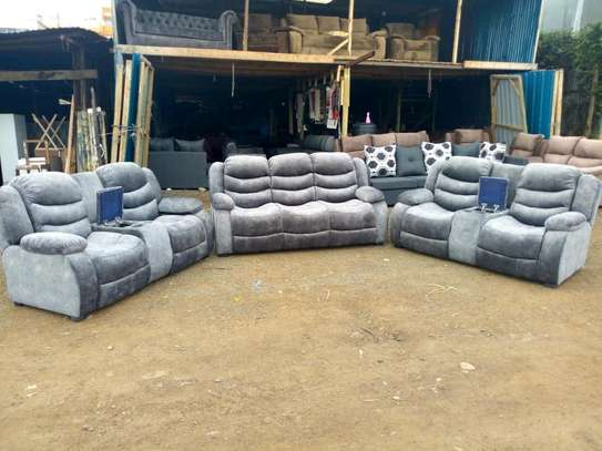 reclinerlike sofa image 1