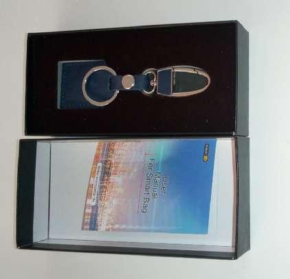 Smart Bluetooth Leather Key Holder image 6