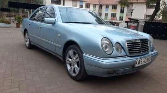 1993 Mercedes-Benz E200 KAS auto petrol drives smooth Mint image 15