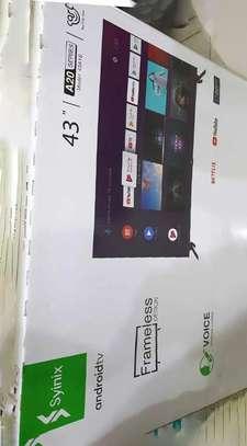 """smart android 43"""" syinix frameless image 1"""