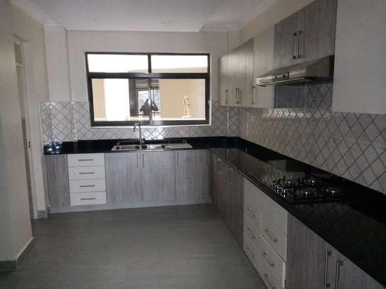 3 bedroom apartment for rent in Kileleshwa image 2