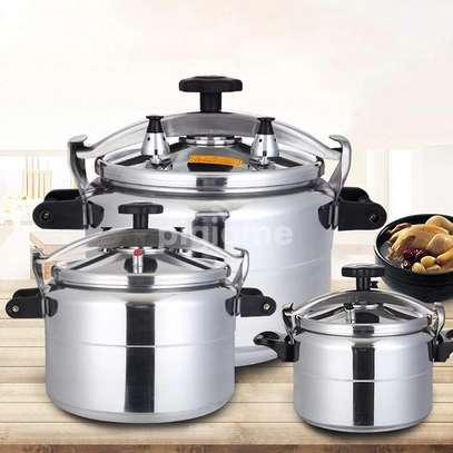 Non explosive pressure cookers image 1