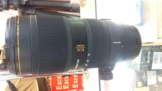 Canon camera lens image 2