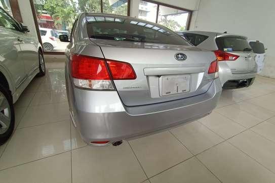 Subaru Legacy image 6