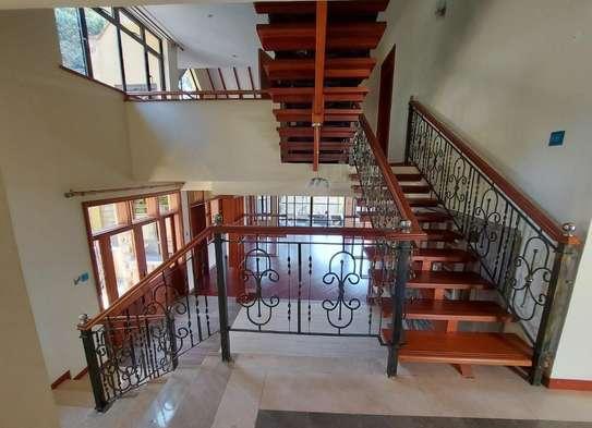 5 bedroom villa for rent in Lavington image 3