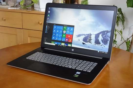 Gaming laptop image 1