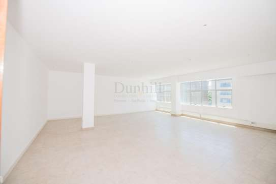 900 ft² office for rent in Westlands Area image 9