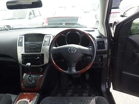 Toyota Harrier image 5