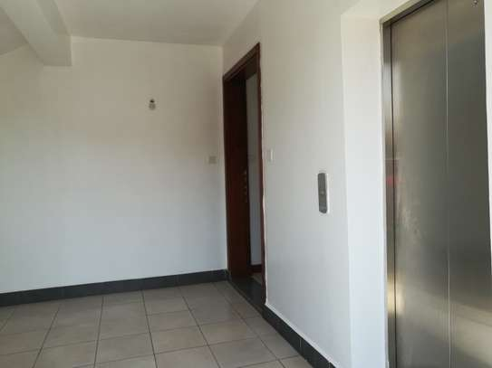 5 bedroom apartments image 3