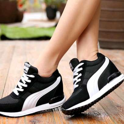 Classy ladies sports shoes image 3