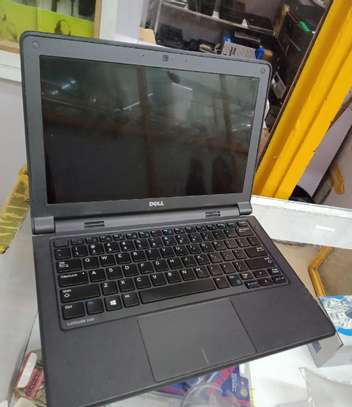 Laptop Dell Latitude 11 3180 4GB Intel Pentium HDD 320GB image 2