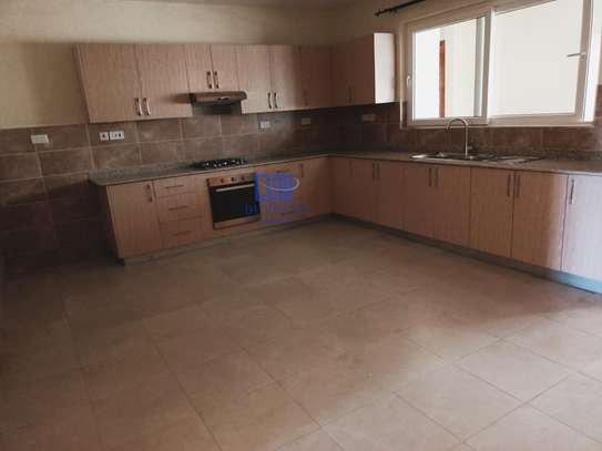 3 bedroom apartment for rent in Rhapta Road image 9