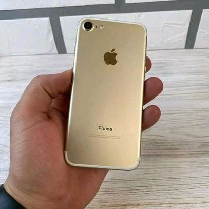 Apple Iphone 7 256 Gigabytes Gold Still Fresh And On Warranty