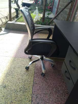 Home or office study table image 13