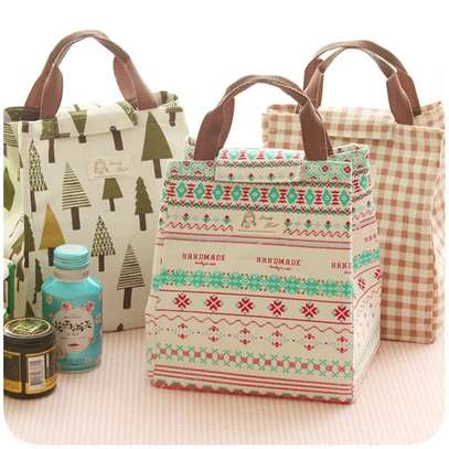 Insulated lunch box image 1