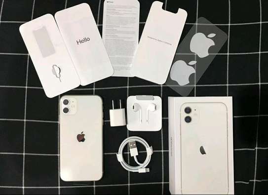 Apple Iphone 11 / 256 Gigabytes / White And Wireless Airpods image 1