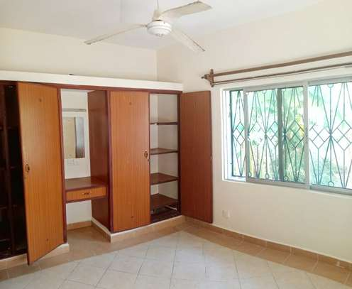 4br maisonnette all-ensuite for rent in Nyali image 10
