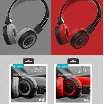 big Wireless Bluetooth Headphone image 1