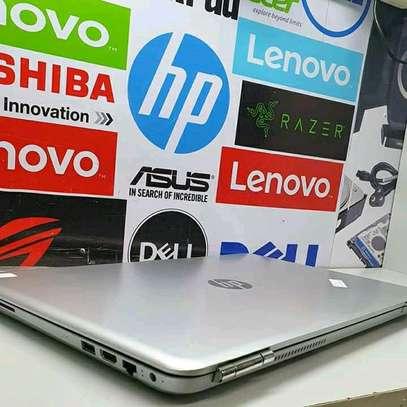 Hp pavilion 15t/Core i7/ 4GB Nvidia image 3