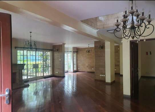 5 bedroom villa for rent in Rosslyn image 14