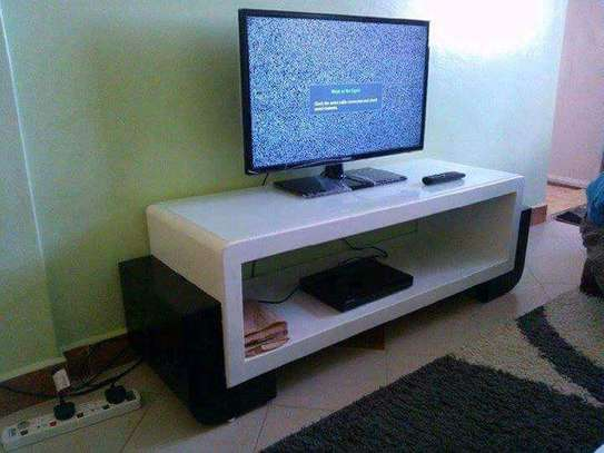 CLASSY TV STAND image 2