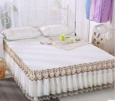 Trendy Bed Covers image 6