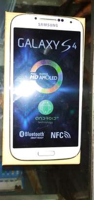 New Samsung Galaxy S4 16GB Smartphone White image 3