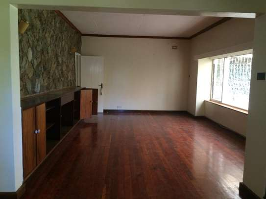 3 bedroom apartment for rent in Loresho image 9