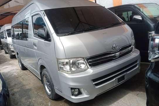 Toyota HiAce KDH222 image 3
