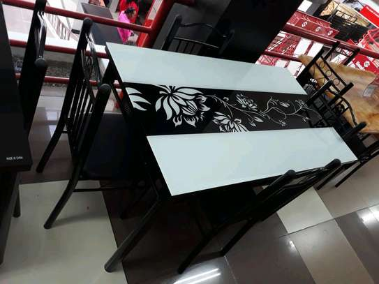 Dining table hla