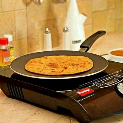*Flat non-stick chapati pan* image 3