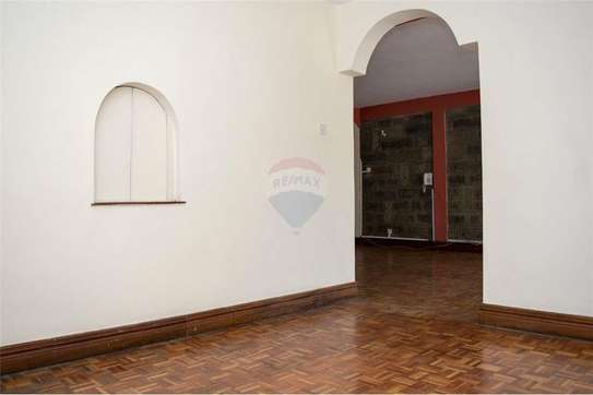 Stunningly Beautiful  3 Bedrooms Apartments In Brookside drive image 13