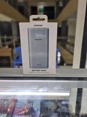Samsung Ultra Slim 10,000 Mah Portable USB-C Power Bank image 1