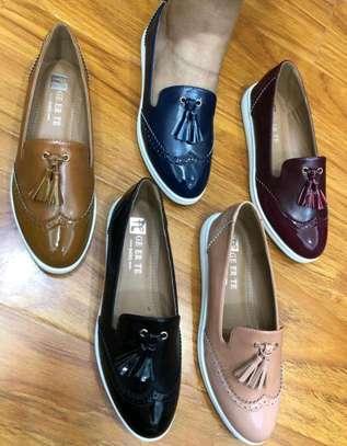 Ladies flat shoes image 2