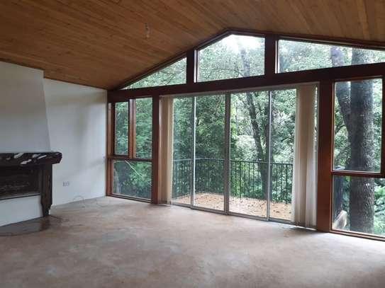 Furnished 6 bedroom house for rent in Karen image 8