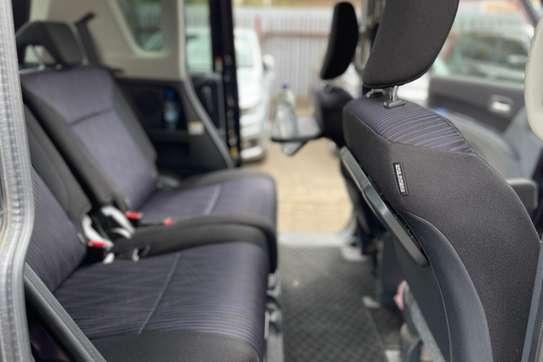 Suzuki Solio image 2