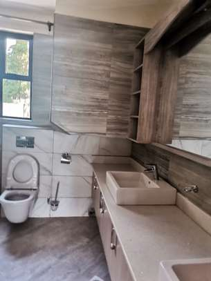 Magnificent 5 bedroom townhouse all ensuite with dsq for rent lavington area image 13