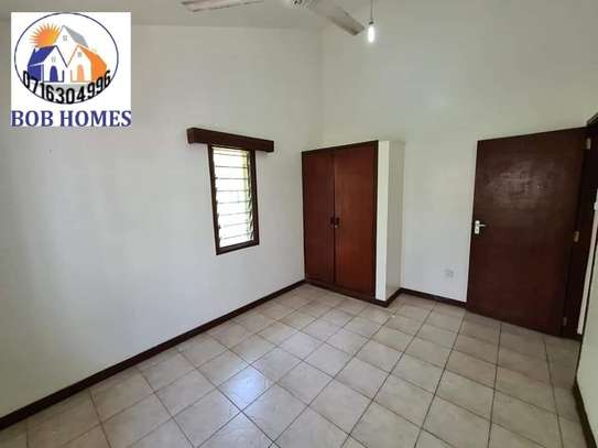 3 bedroom house for rent in Nyali Area image 6