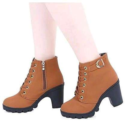 Classy ladies boots image 7