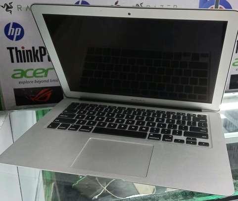 Macbook air coi5 image 1
