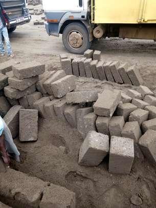 Machine cut construction stones image 2