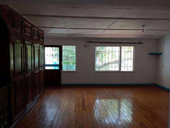 237 m² office for rent in Kilimani image 4