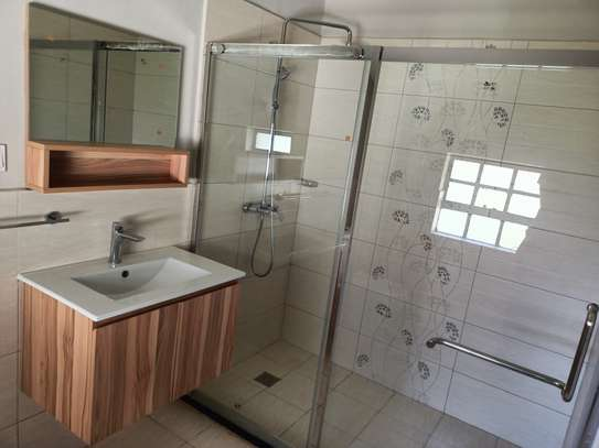 4 bedroom house for rent in Kitisuru image 12