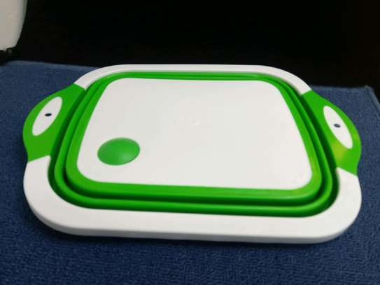 Collapsible chopping board. image 3