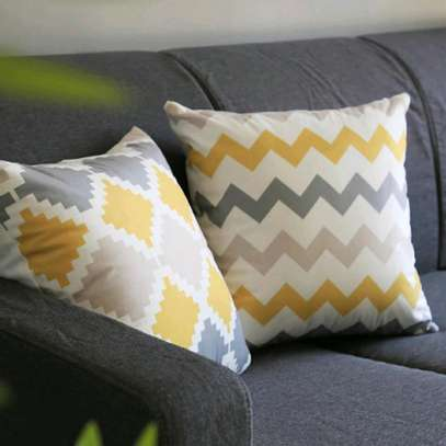 QUALITY DECORATIVE THROWPILLOWS image 2