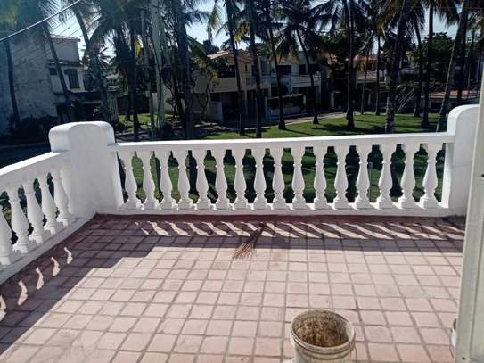 4br house for rent in Nyali Mombasa. HR33 image 6