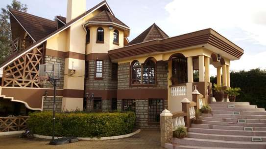 Big House for sale in Elgon view Eldoret image 1